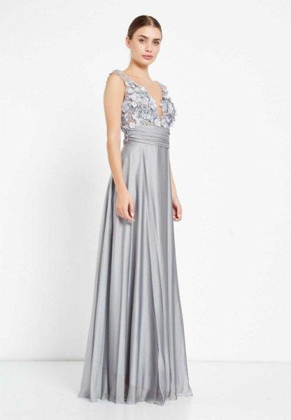 Długa elegancka sukienka - Gorset zdobiony - Srebrny - Sukienki na wesele - Gogolfun.it