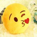 Poduszka Dekoracyjna  Emotki Emoji - całus kiss