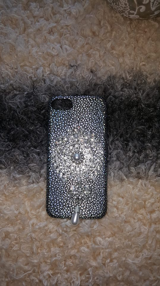 Etui na telefon Iphone 7 glamour HOLO z perełkami