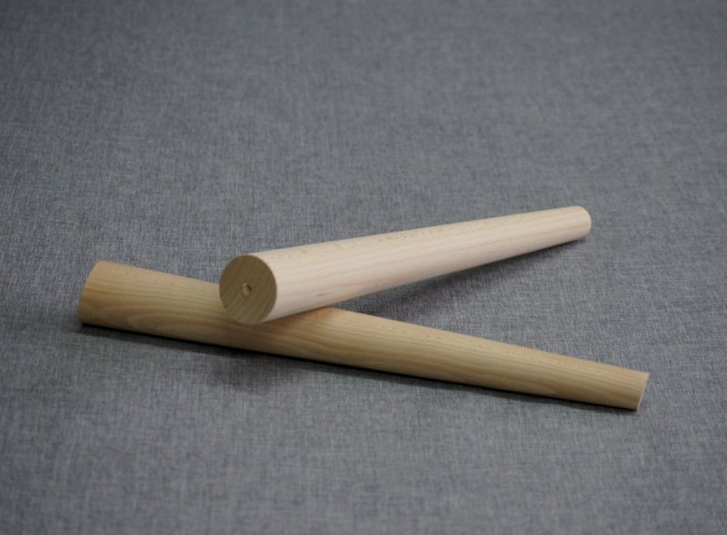 Noga drewniana do mebli 42 B /stożek skos/