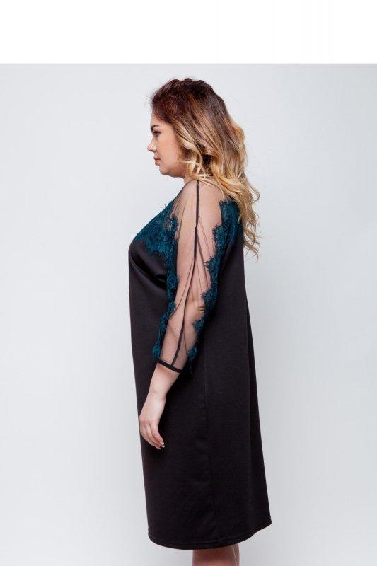Elegancka dzianinowa sukienka wykończona koronką TR1788 Green