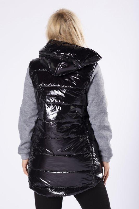 pikowana kurtka z dresowymi rękawami i wydłużonym tylem