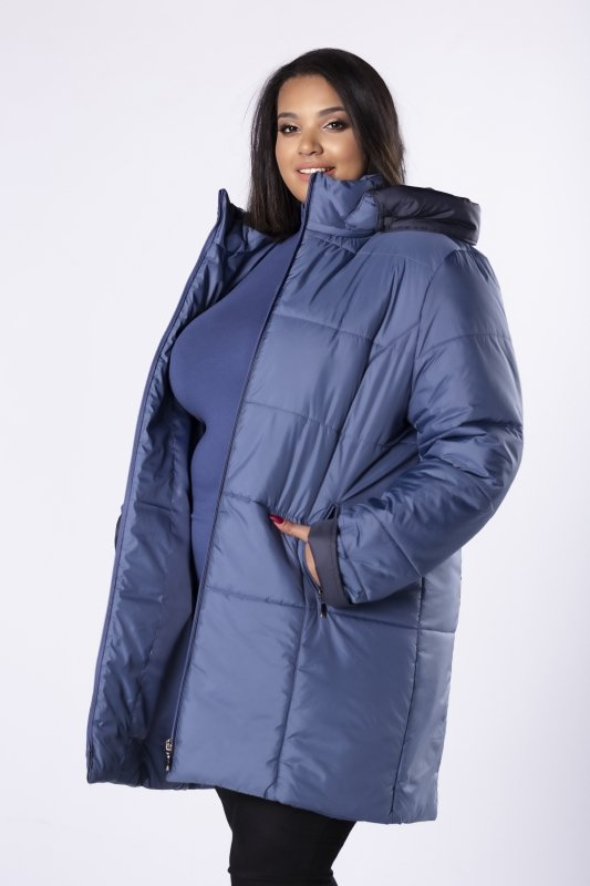 pikowana kurtka o dłużyszm kroju z kapturem