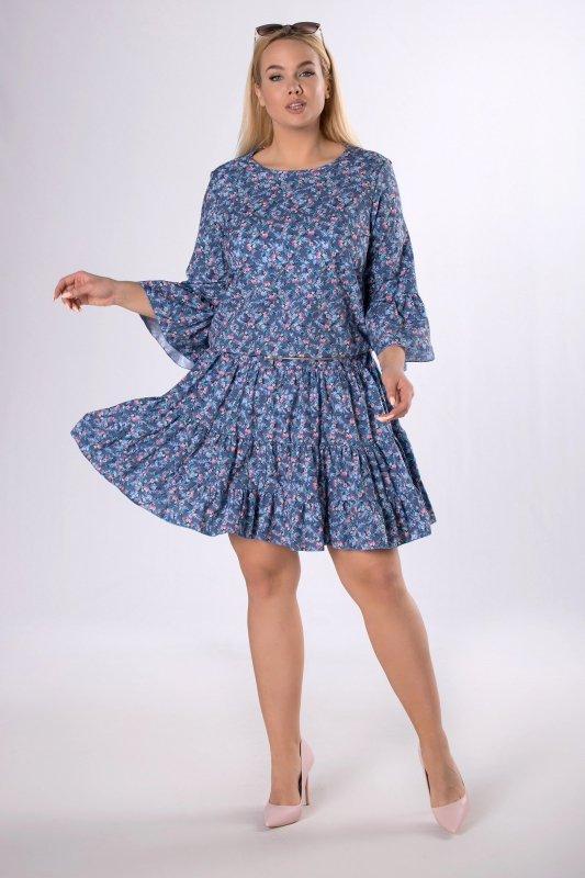 wzorzysta sukienka z falbankami