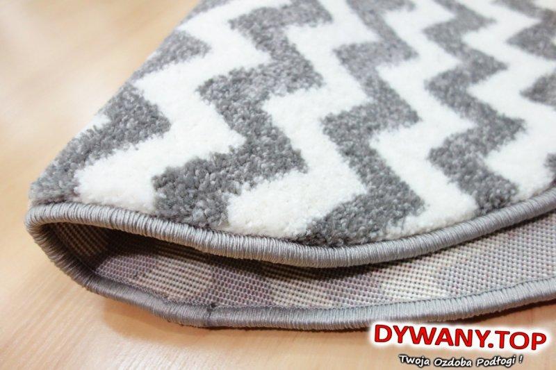 dywany w zyzgzaki