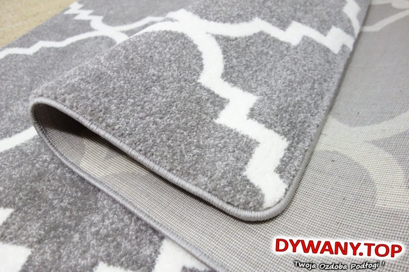 szary nowoczesny dywan