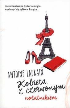 Kobieta z czerwonym notatnikiem