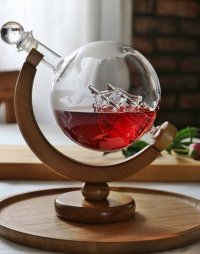 KARAFKA BUTELKA GLOBUS na whisky wino + drewniany stojak