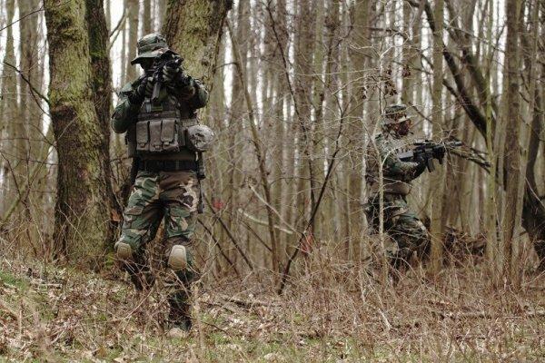 Spodnie Combat Uniform z nakolannikami - woodland