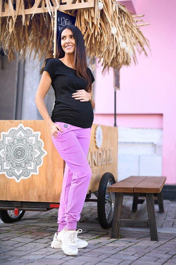 MijaCulture Wygodne spodnie dresowe ciążowe Coco M003 róż2