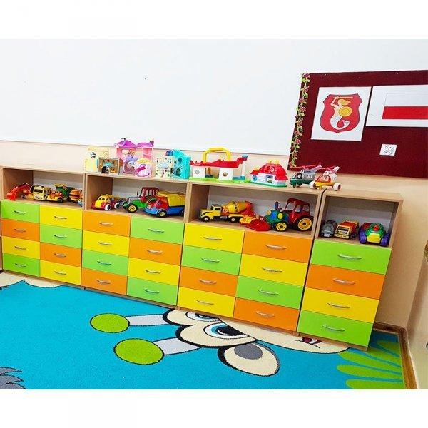 zestaw mebli przedszkolnych,zestaw mebli do przedszkola,zestaw szafek,szafki z szufladami do przedszkola