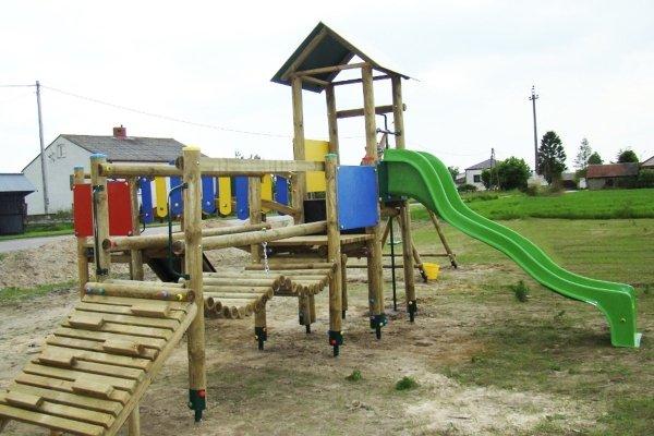 plac zabaw, plac zabaw drewniany, zestaw placu zabaw, place zabaw, place zabaw do szkoły, place zabaw do przedszkola, place zabaw przedszkolne, place zabaw producent, producent placów zabaw