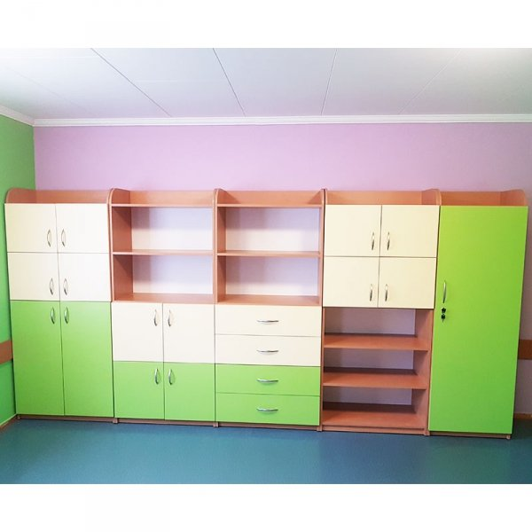 zestaw mebli przedszkolnych,meble do przedszkola,szafki do przedszkola,szafki do sali