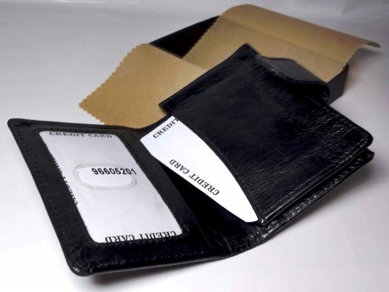 Etui na wizytówki i karty czarny kieszonki