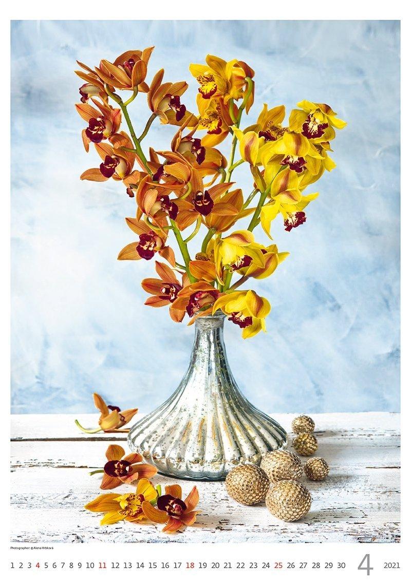 Kalendarz ścienny wieloplanszowy Magic Flowers 2021 - kwiecień 2021