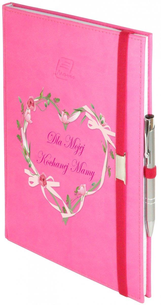 Notes A5 z długopisem zamykany na gumkę z blaszką - papier biały w kratkę ***** oprawa Vivella różowa (gumka różowa) - Z NADRUKIEM SERCE NA DZIEŃ MATKI