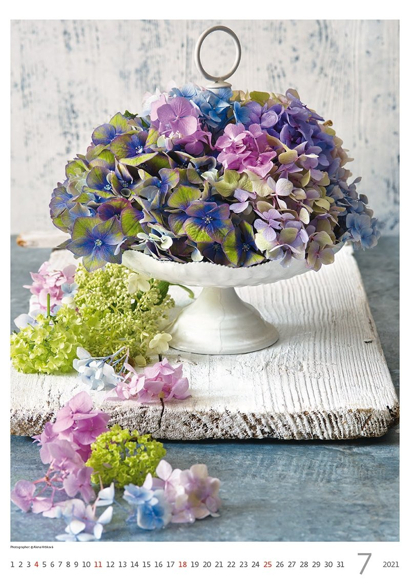 Kalendarz ścienny wieloplanszowy Magic Flowers 2021 - lipiec 2021