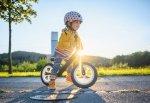 Jak zwiększyć bezpieczeństwo dziecka podczas jazdy rowerem?