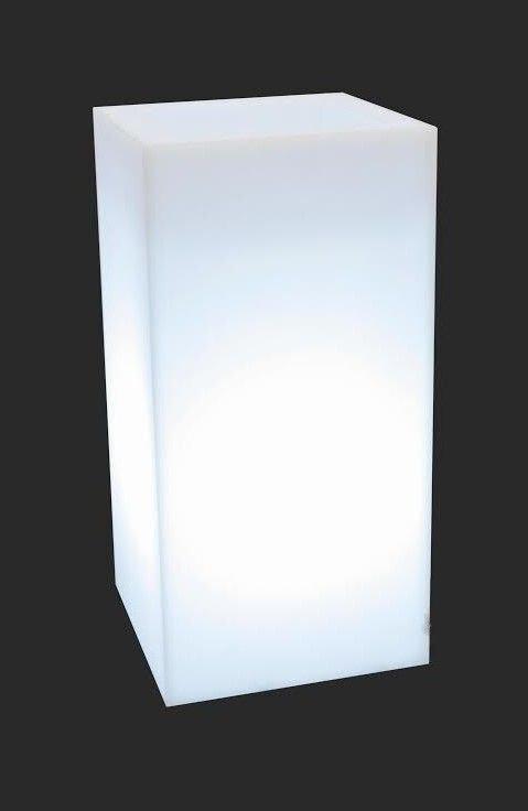 Biała donica Tower Pot z oświetleniem