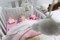 prześcieradła do łóżeczek