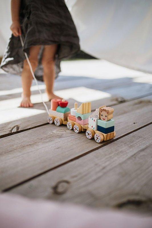 Pociąg z klockami do ciągnięcia Żyrafka Sophie, Janod