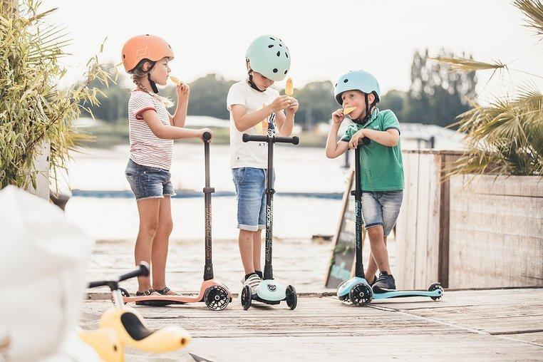 SCOOTANDRIDE Kask S-M dla dzieci  3+ Kiwi kolekcja Icecream 2020