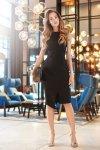 S105 Sukienka z asymetrycznym rozcięciem - mała czarna