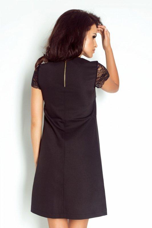 Trapezowa sukienka z koronkowym rękawem Betty - Czarna - Ivon