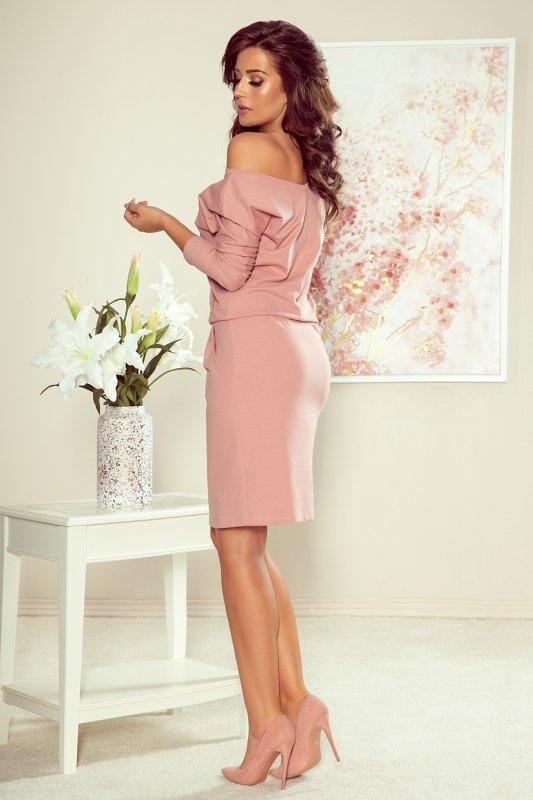 Sukienka dresowa z dekoltem na plecach - Pudrowy Róż