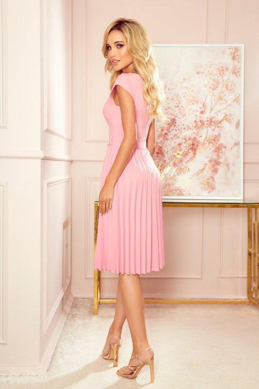 LILA Plisowana sukienka z krótkim rękawkiem - PUDROWY RÓŻ