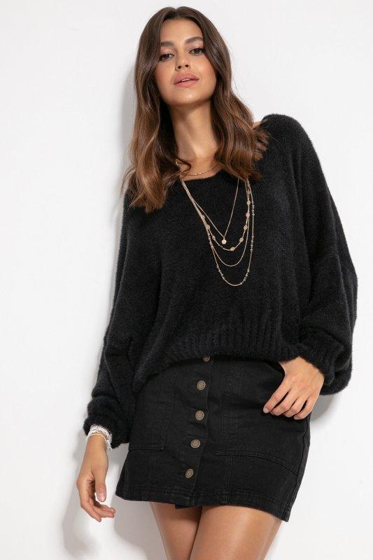 Luźny sweter z dekoltem F1066- czarny -2