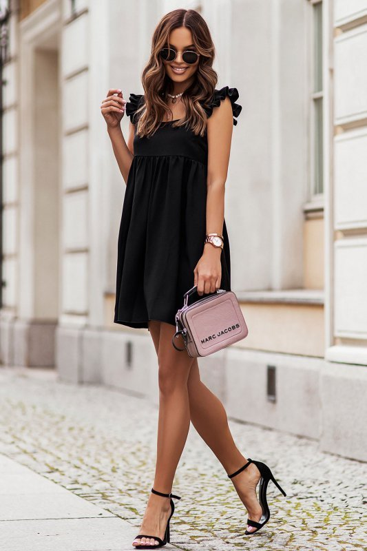 NOEL sukienka mini o lekko oversizowym kroju - Czarna_1
