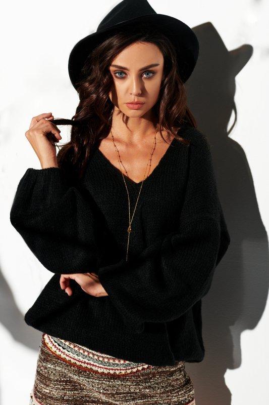 Sweter z dużym dekoltem - StreetStyle LSG111- czarny- 2