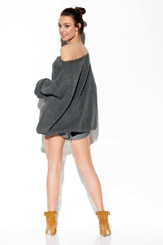 Modny oversizowy sweter odsłaniający ramię -StreetStyle LS277-grafit-4