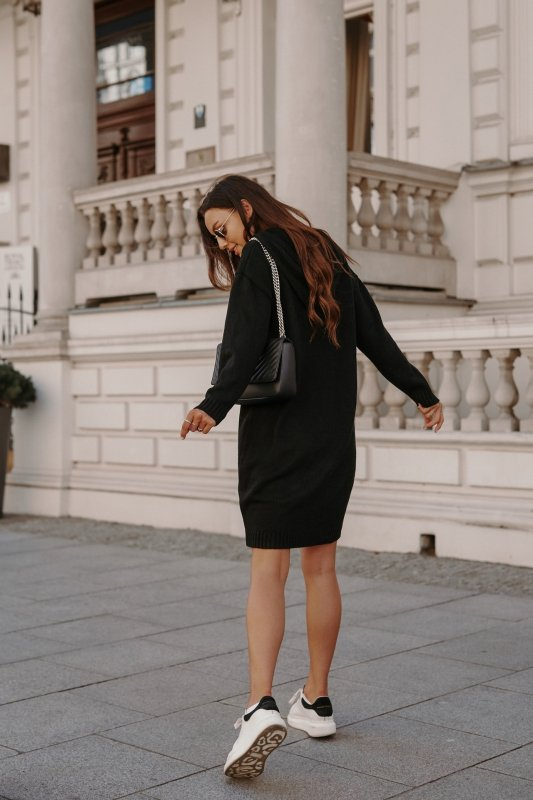 Swetrowa sukienka sportowa z kieszenią -  LSG132 - czarny-5