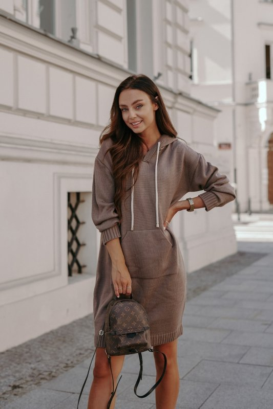 Swetrowa sukienka sportowa z kieszenią -  LSG132 - capucino-5