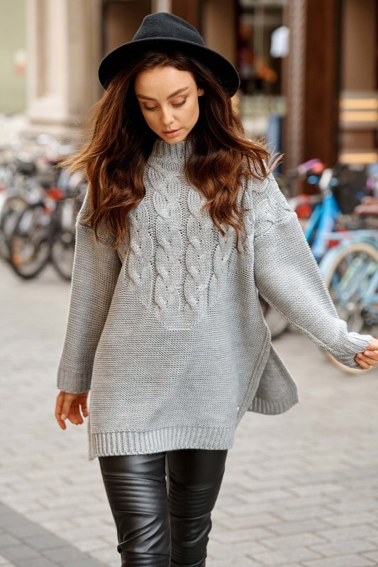 Sweter z rozcięciami po boku LS309