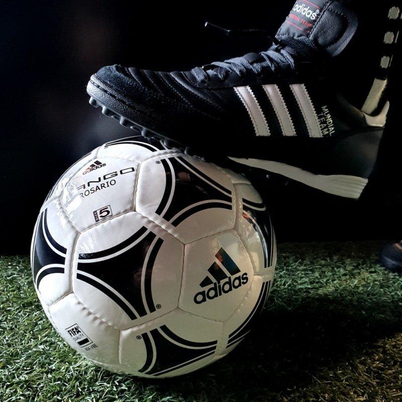 Buty adidas Mundial Team  019228 czarny 45 1/3