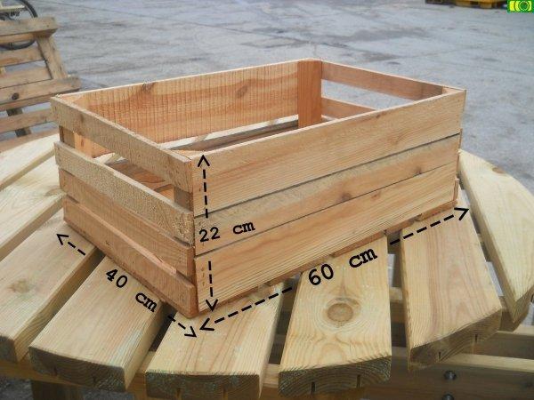 I02 drewniana skrzynka na owoce