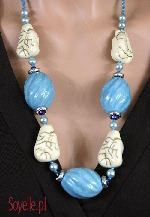 BLUE AND WHITE naszyjnik z kamyków błękitny i biały, złote akcenty