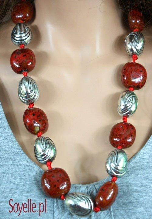DWOISTOŚĆ długi naszyjnik - korale srebrne + kamyczki