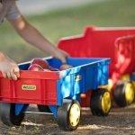 Zabawki ogrodowe dla dzieci - jakie wybrać?