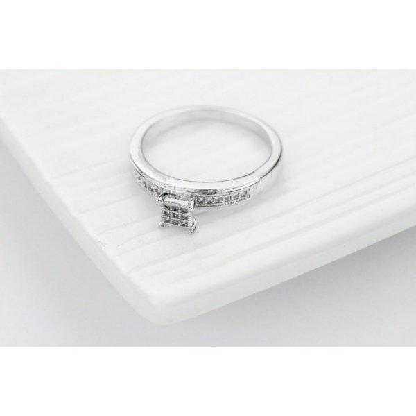 PIERŚCIONEK KRYSZTAŁKI STAL CHIRURGICZNA 488, Rozmiar pierścionków: US8 EU17