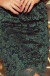 Dopasowana sukienka z koronki