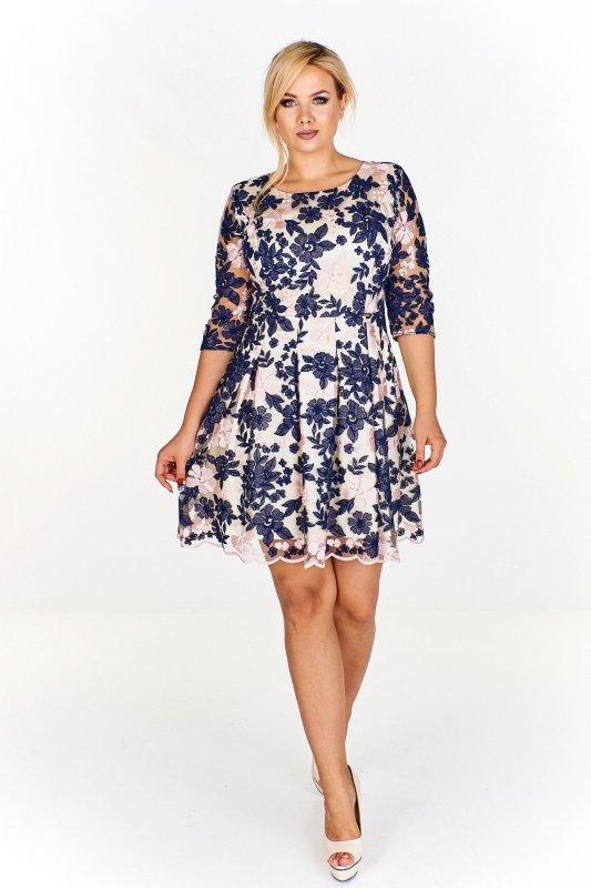 sukienka w kwiaty z rozkloszowanym dołem