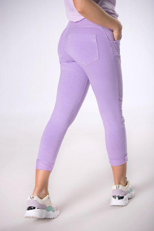 spodnie z efektem gniecenia