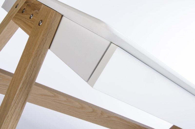Biurko RIVA (Scandic) białe - blat MDF, podstawa dębowa