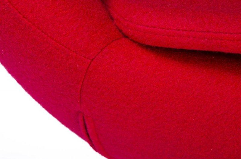 Fotel EGG SZEROKI GOLD czerwony.1 - wełna, podstawa złota