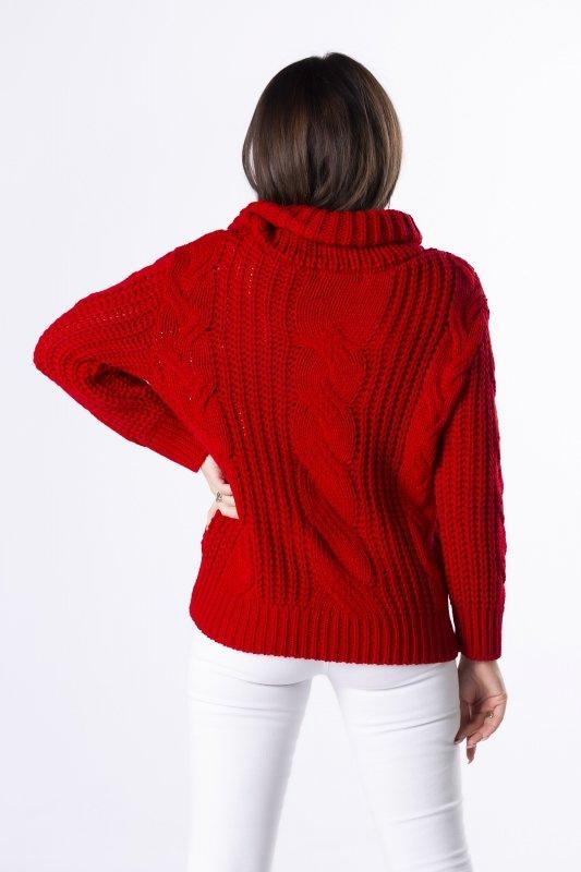 oversize'owy sweter z luźnym golfem