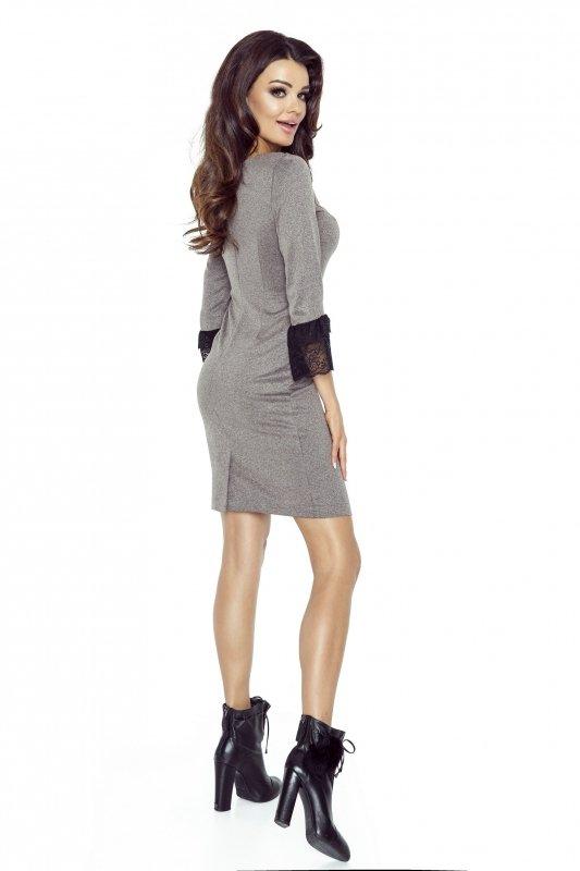 Ołówkowa sukienka z koronkowym mankietem